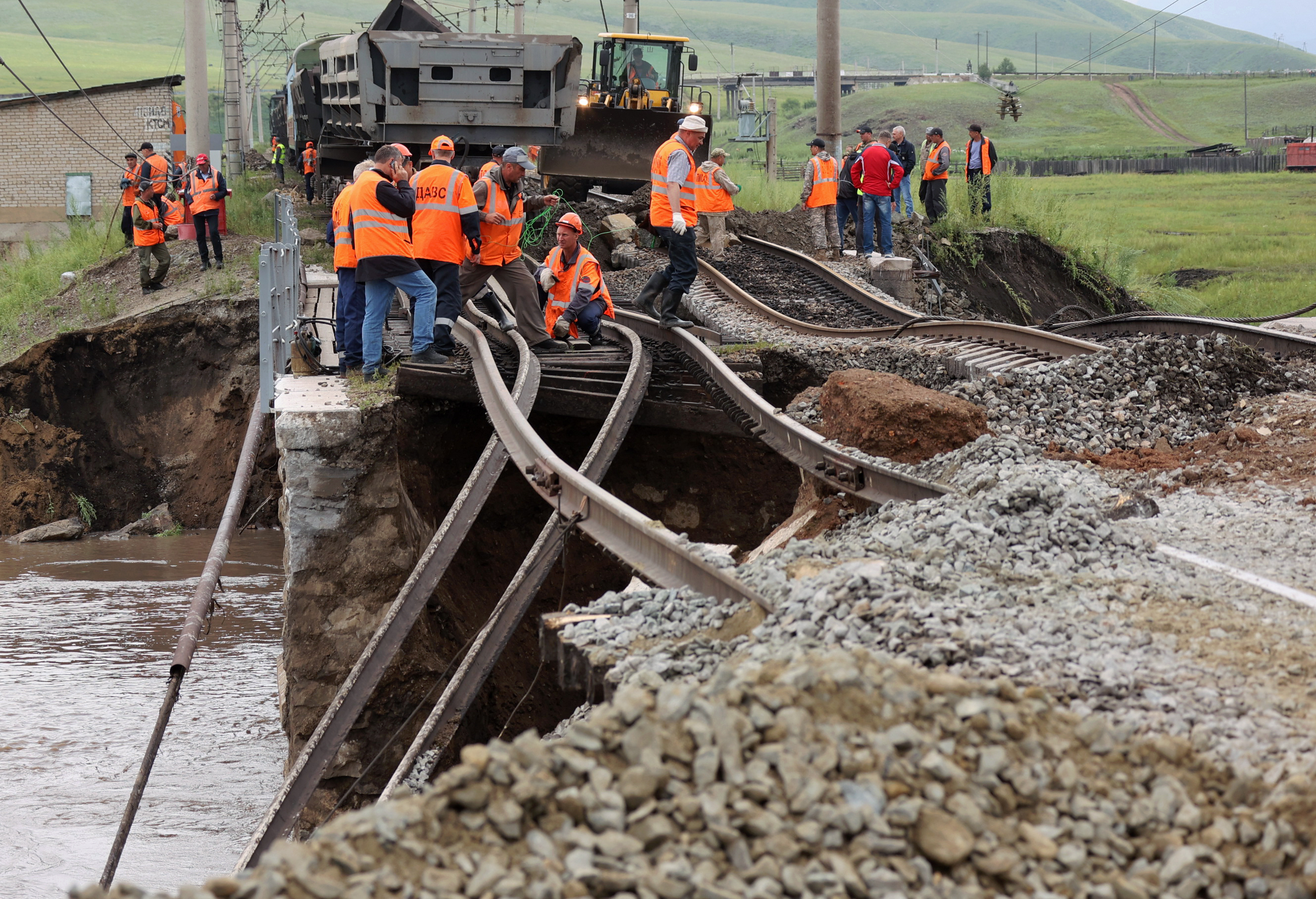 Reconstruction of railway bridge destroyed by flooding in Russia's Transbaikal Territory