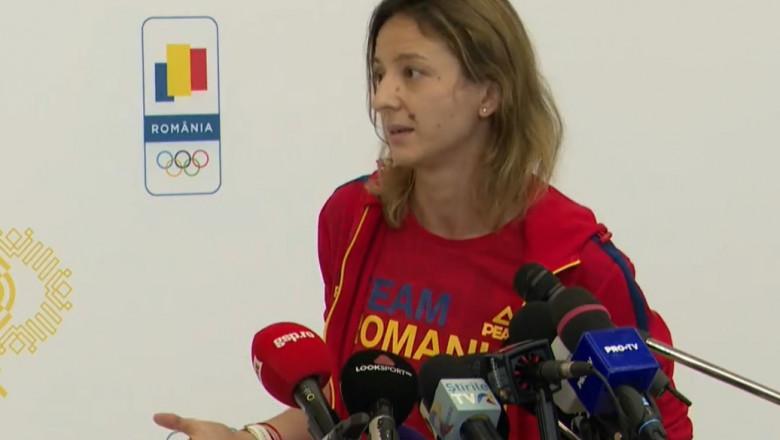 Ana Maria Popescu la conferința de presă după sosirea în țară.