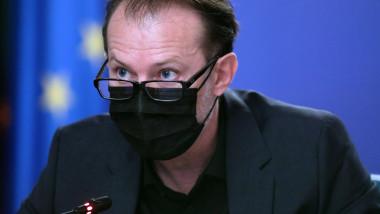 florin citu cu masca la sedinta de guvern