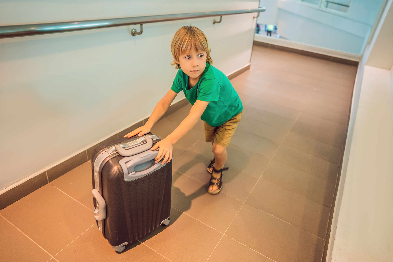 Cand trebuie sa stea copiii in carantina la revenirea dintr-un concediu in strainatate?