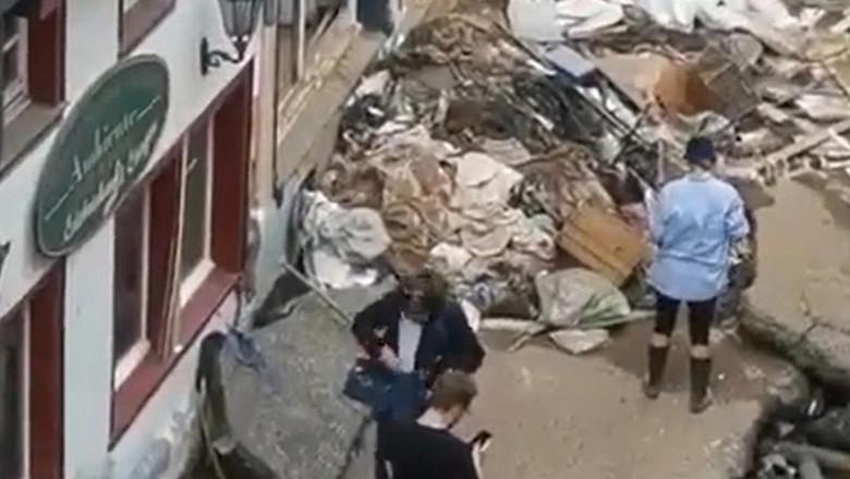 jurnalista in zona afectata de inundatii
