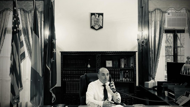 Andrei Muraru, Ambasadorul României la Washington, D. C în birou
