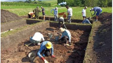 O construcţie a culturii Precucuteni a fost găsită la Topoliţa