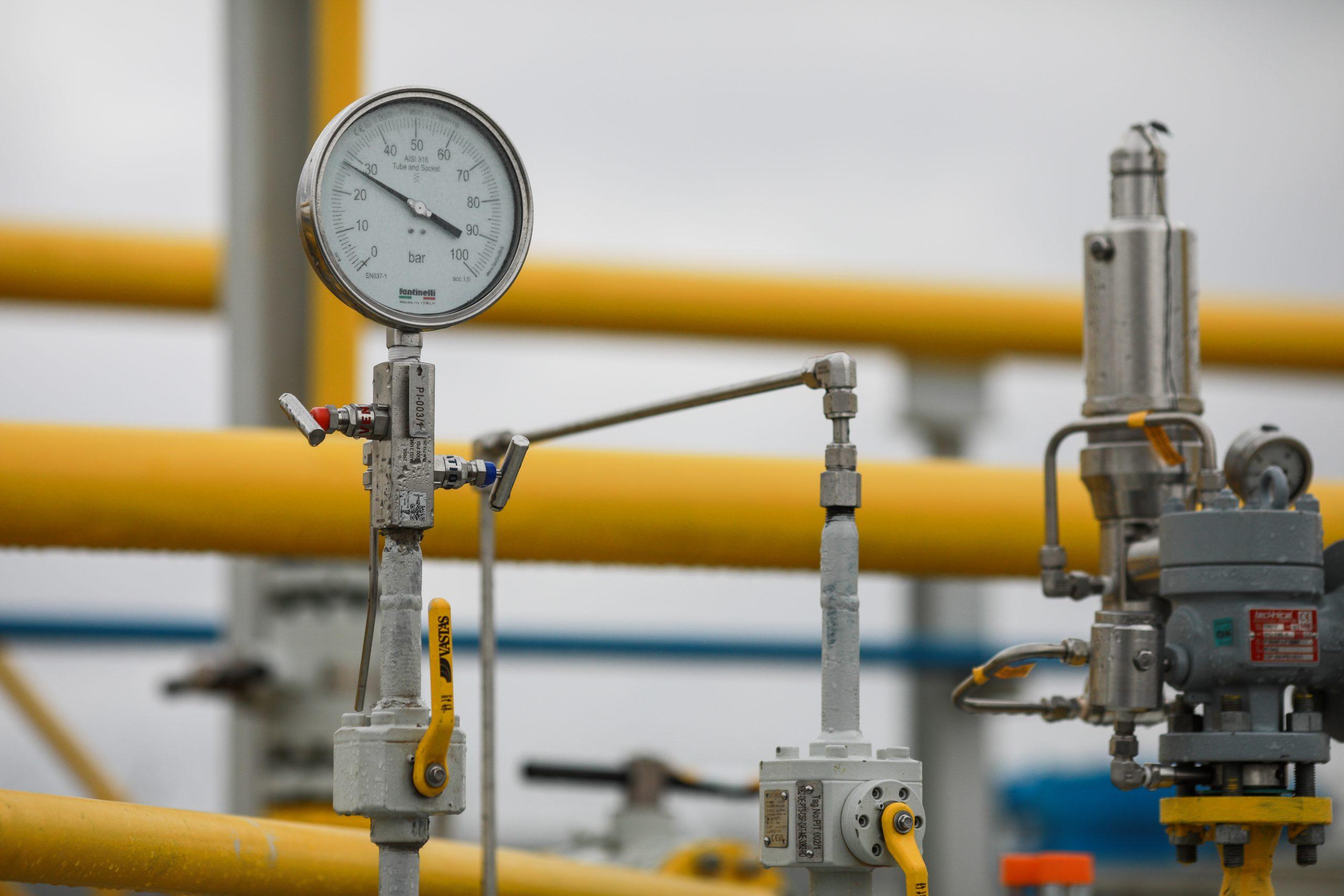 Importurile de gaze au crescut cu 56% în primele opt luni. Producţia s-a majorat cu doar 1,8%