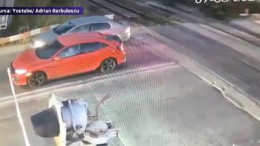 Mașini prinse între bariere
