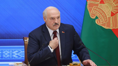 presedintele belarus aleksander lukasenko sustine un discurs