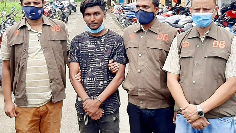 barbat arestat in bangladesh pazit de 3 oameni ai legii