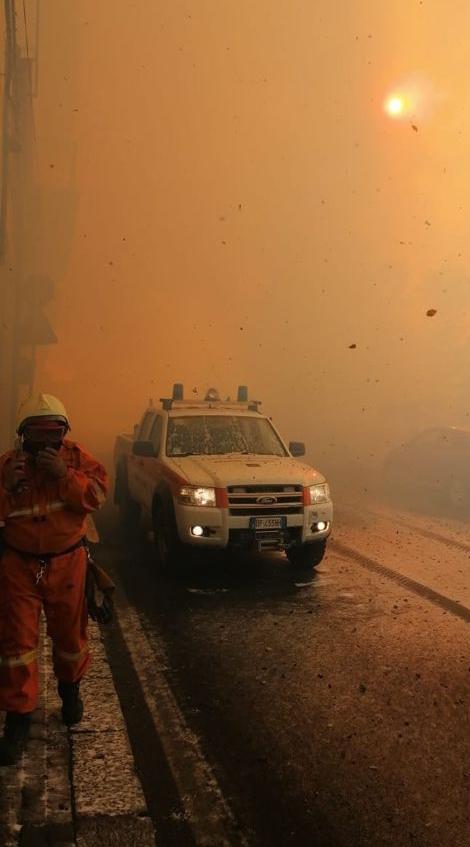 Vreme extremă în Italia: inundaţii în nord şi incendii în sud