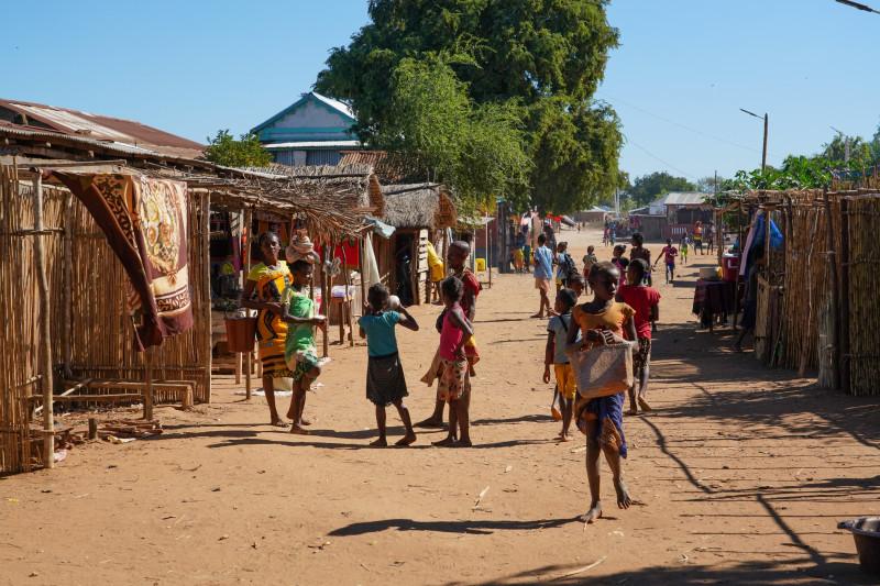 Local people in Bekopaka village, Tsingy de Bemaraha National Park, Melaky Region, Western Madagascar, Africa