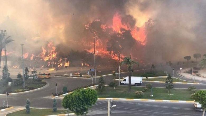 incendii de vegetatie vizibile din statiunea manavgat