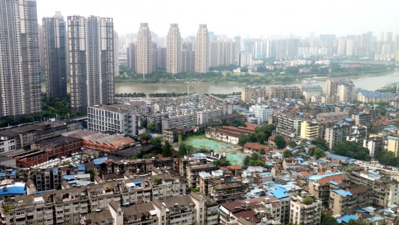 orasul wuhan, china