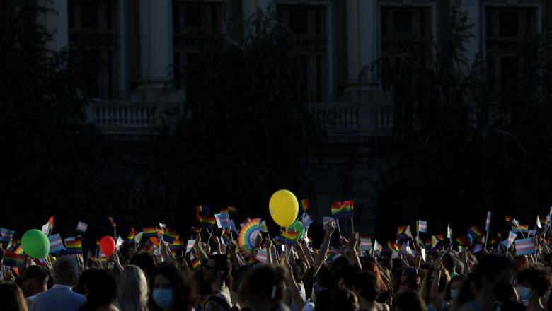 Participanti la marsul Bucharest Pride