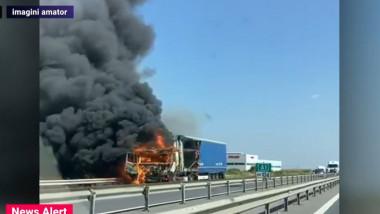 Trafic blocat pe A1, după ce un TIR a luat foc în mers