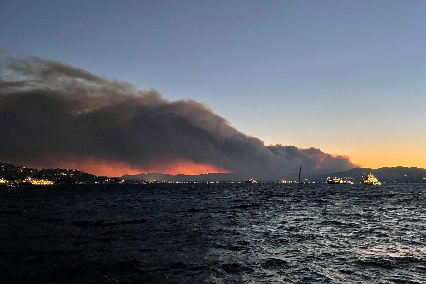 Huge wildfires are ravaging South of France, around the chic tourist resort of Saint-Tropez forcing thousands people to leave their homes
