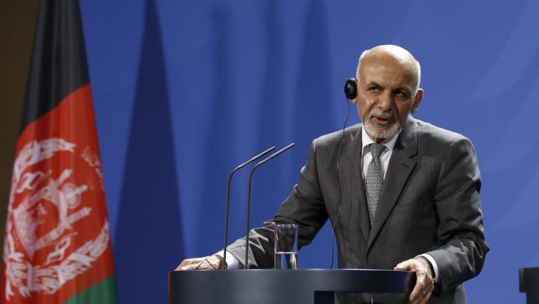 Ashraf Ghani sustine un discurs in timpul unei vizite in germania