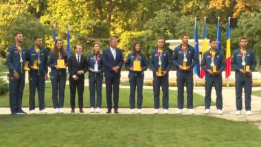 Cei nouă sportivi români medaliaţi la Jocurile Olimpice de la Tokyo au fost decoraţi, miercuri, de preşedintele Klaus Iohannis.