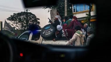 talibani in masina