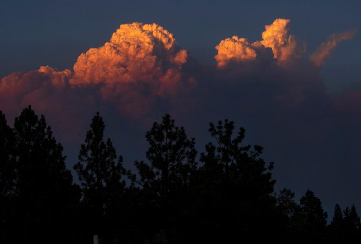 incendiu-california-twitter-karl-mondon2