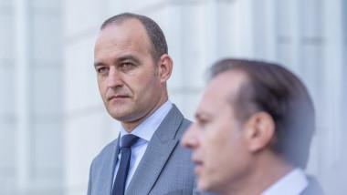 Premierul Florin Cîțu și ministrul Finanțelor Dan Vîlceanu la sediul ministerului finantelor publice