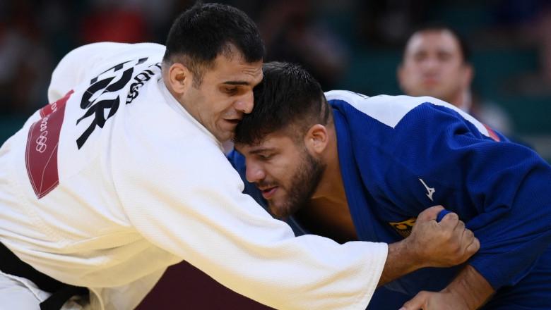 Vlăduț Simionescu în timpul unei lupte de judo.