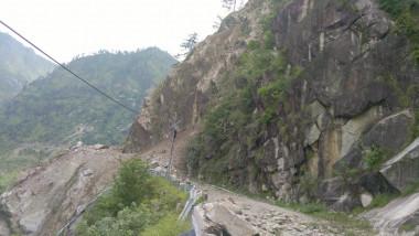 alunecare de teren india