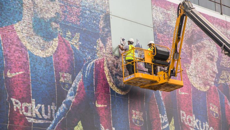 Afișele cu Messi au fost date jos de pe stadionul Camp Nou din Barcelona