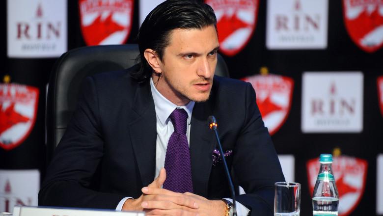 Dragoș Săvulescu la conferință de presă.