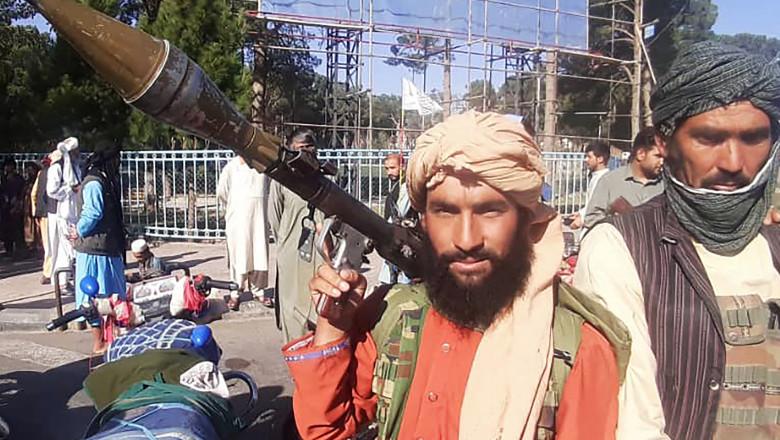 Luptător taliban