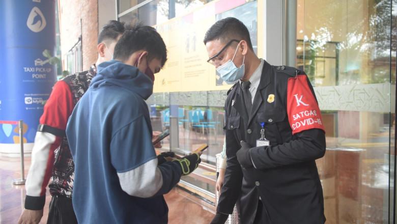 Mall-urile din Indonezia s-au redeschis exclusiv pentru cei vaccinaţi.