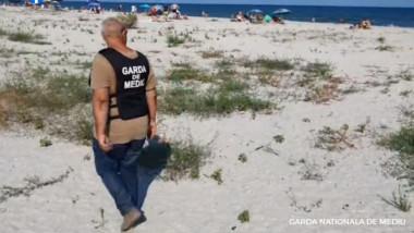 Acțiuni ale reprezentanților Gărzii de Mediu pe litoral.