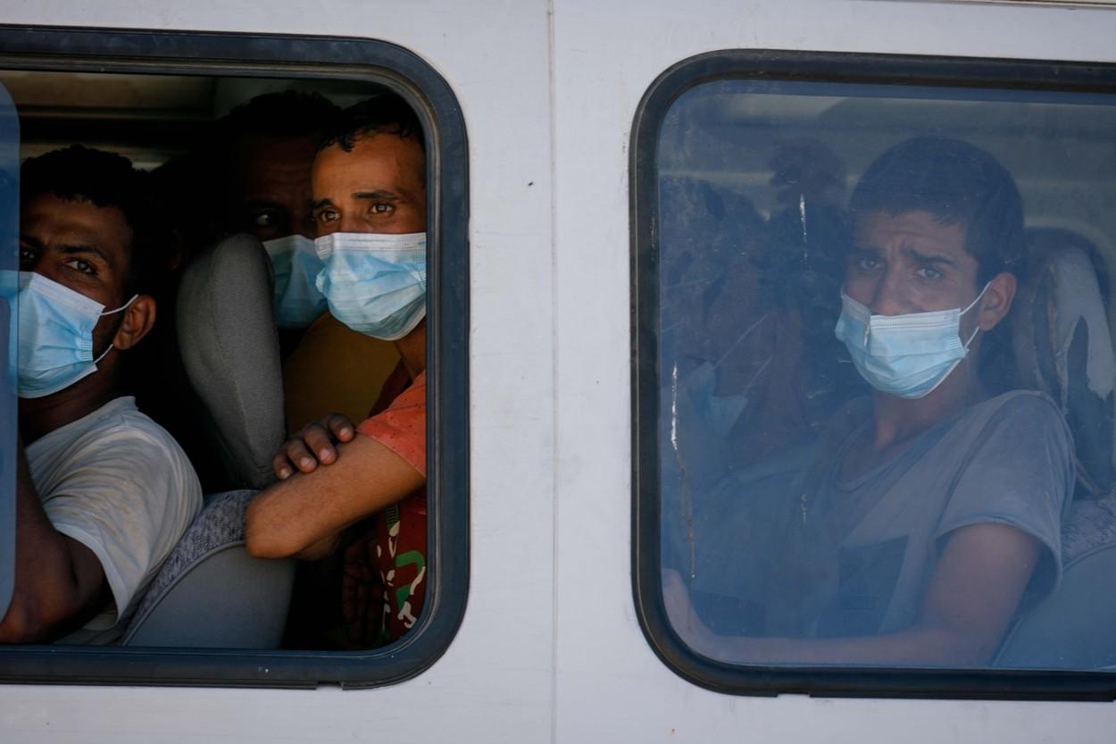 Rescued Migrants Dock in Lampedusa