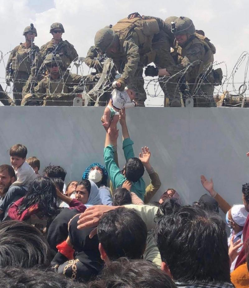 bebelus soldati americani zid profimedia-0628094949