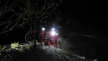 savamontisti noaptea pe munte