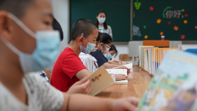 elevi in clasa in china