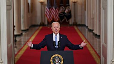 Joe Biden, la Casa Albă, vorbește de la pupitrul prezidențial american într-un nou discurs legat de evacuarea din Afganistan