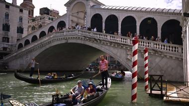 Celebrul pod Rialto din Veneția a fost redeschis