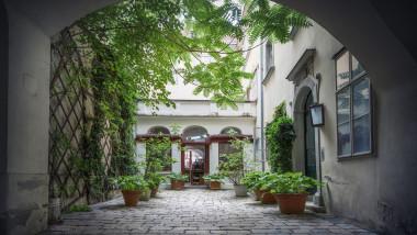 cladire cu locuințe în Vina