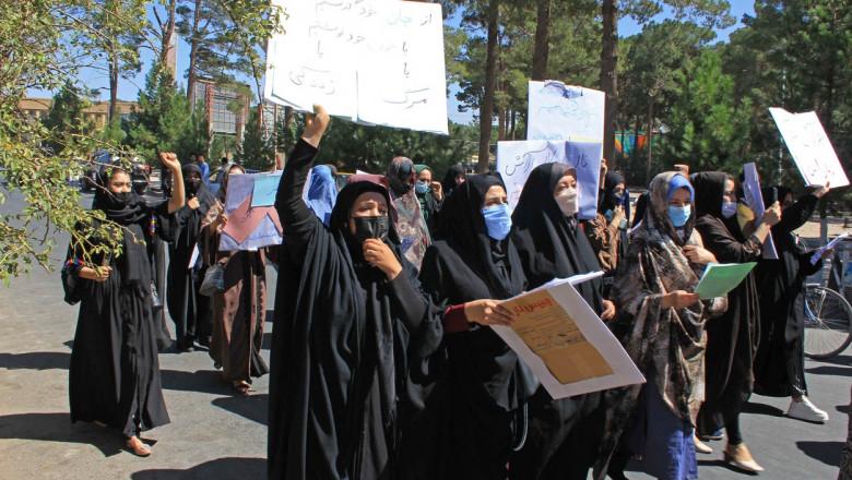 Protest al femeilor afgane