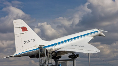 """Un Tu-144, poreclit """"Concordski"""", expus la un muzeu aviatic din Germania."""