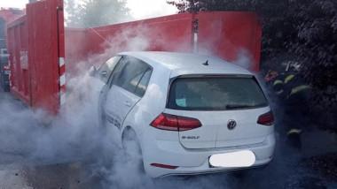 incendiu izbucnit la o mașină electrică