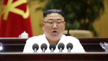 Kim Jong-un, dictatorul Coreei de Nord. la o conferinta