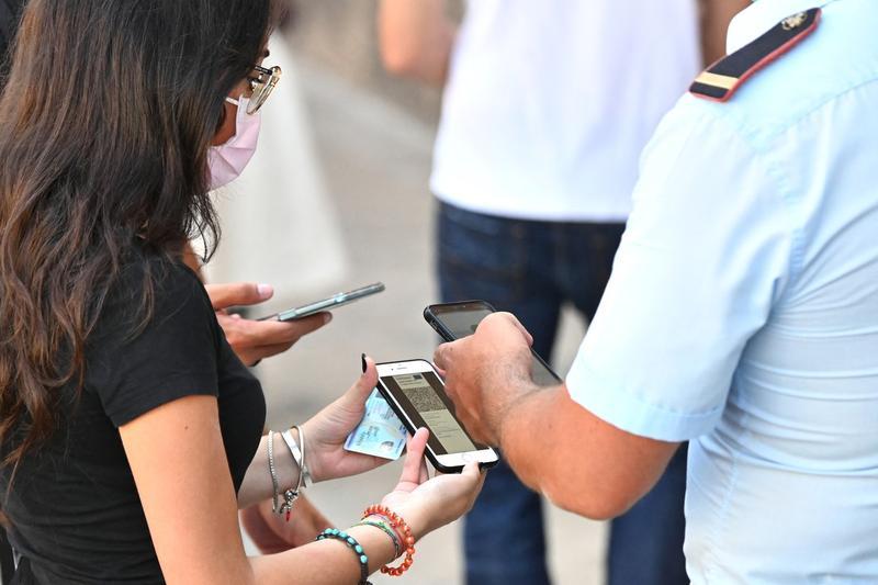 Italia impune obligativitatea pașaportului verde Covid-19 pentru toți angajații, inclusiv cei din privat