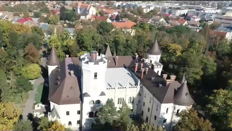 castelul din carei vazut de sus