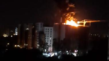 Incendiu pe terasa unui bloc