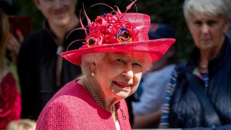 regina elisabeta a II-a zambind
