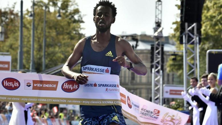 derara hurisa ajunge la linia de finish la maratonul de la viena
