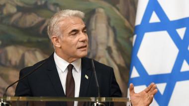 Ministrul israelian al Apărării, Yair Lapid, în conferință de presă la Ierusalim.