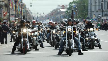 grup de bikeri la st petersburg