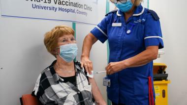 prima persoana vaccinata