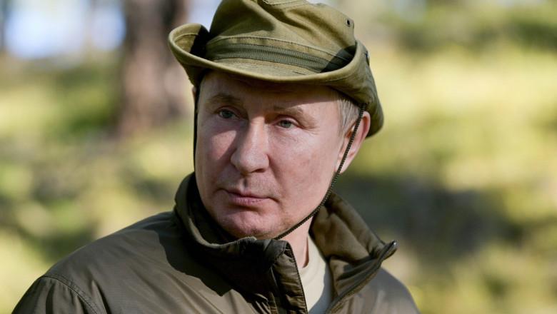 Vladimir Putin în vacanță în Siberia, la pescuit